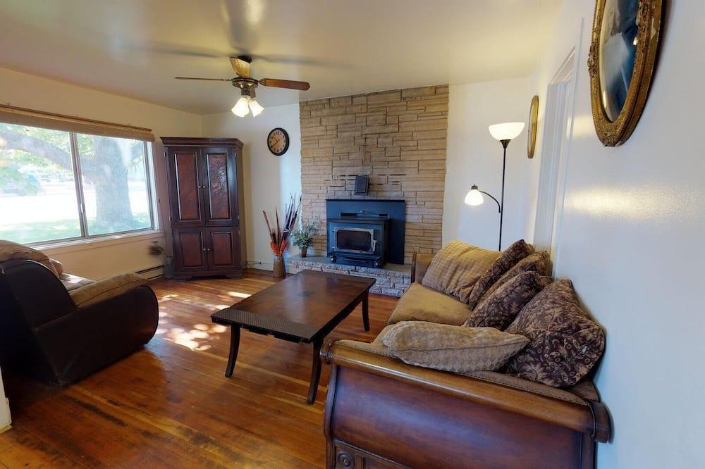 Māja (Private Hot Tub at Grandpa's Cowboy C) - Galvenais attēls