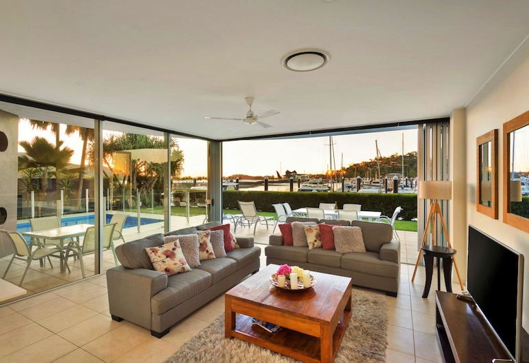 Pavillions 12 with Pool and Golf Buggy, Hamilton Island, 4-Bedroom Apartment, Oturma Alanı