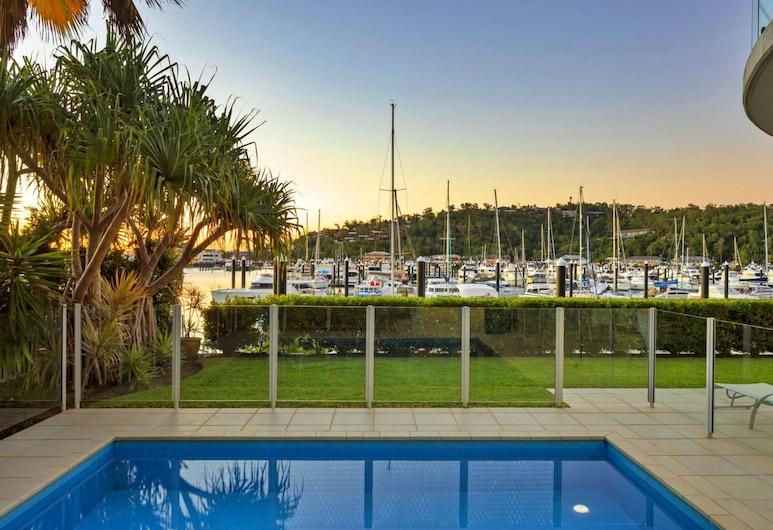 帕威里翁斯 12 號酒店 - 附泳池及高爾夫車, 哈密爾頓島, 泳池
