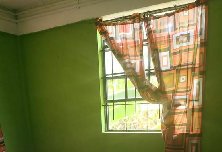 Village No Thrill 2 Bed, Gros Islet