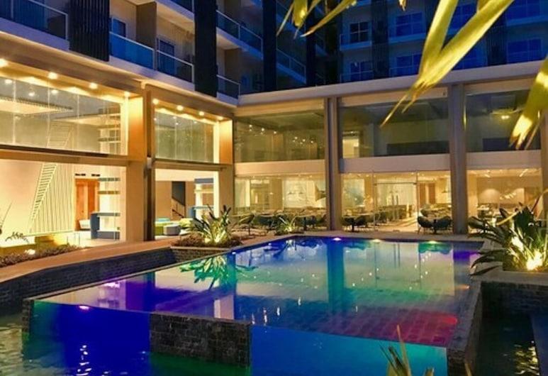 Solea Palm Resort Mactan, Cordova, Bazén
