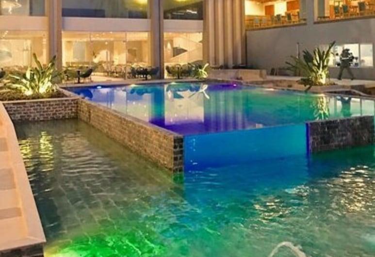 Solea Palm Resort Mactan, Cordova, Pool
