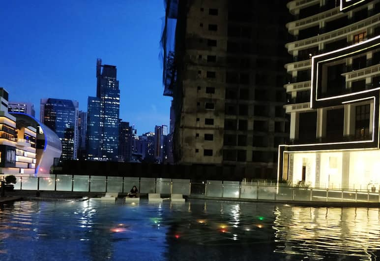 Gotophi at Knightsbridge Residences, Makati, Açık Yüzme Havuzu