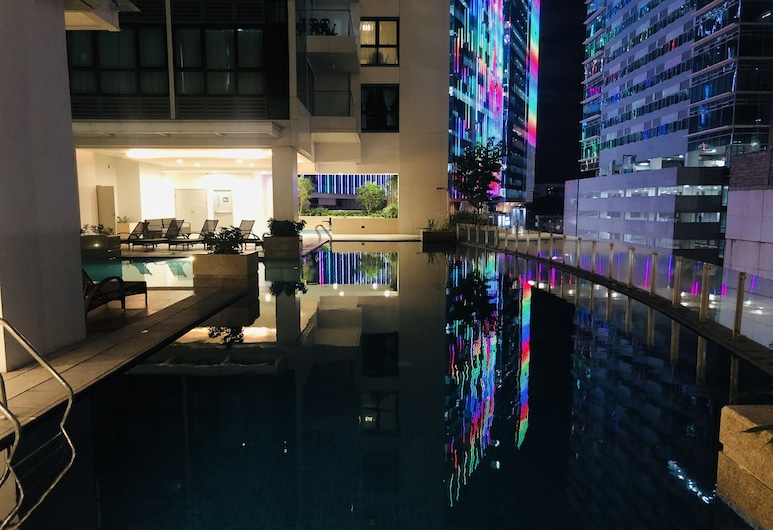 Gotophi at One Uptown Residence, Taguig, Basen odkryty