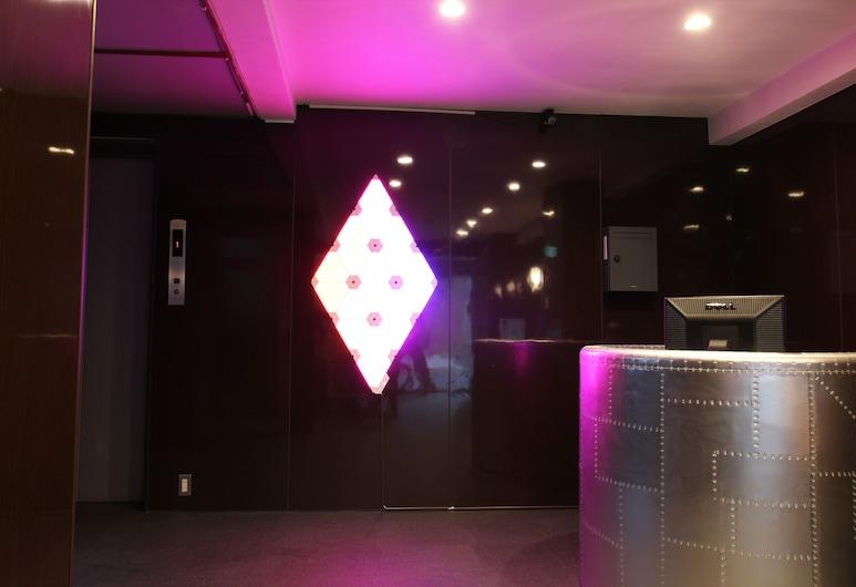 島之內奢華公寓酒店, 大阪, 櫃台