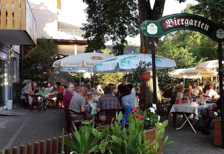Gasthaus Linde Wachbach, Bad Mergentheim, Outdoor Dining