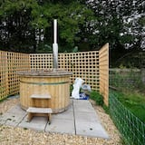 Cabin, 1 Queen Bed - Outdoor Spa Tub