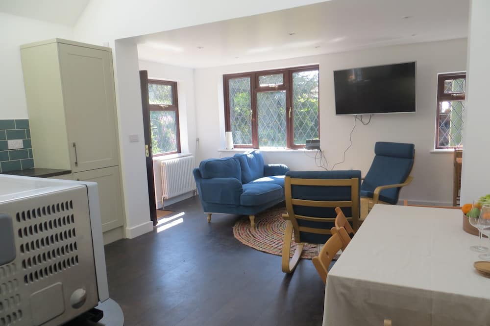平房, 多張床 - 客廳