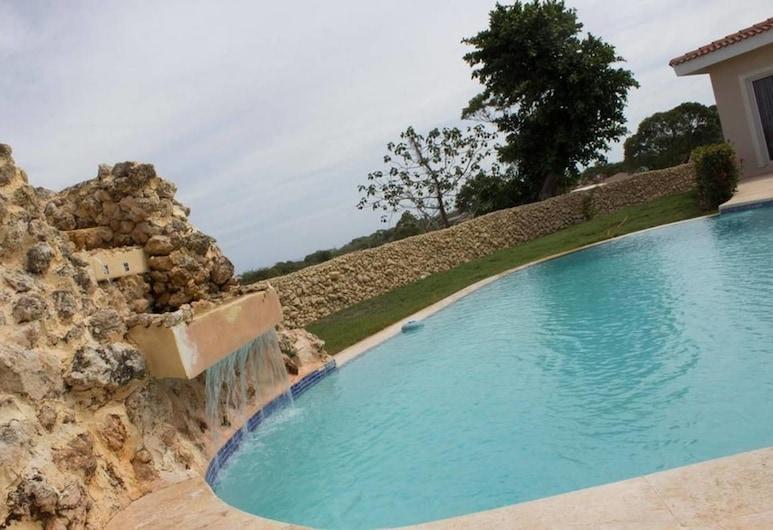 4 Bed Villa Minutes From Downtown Sosua, Sosúa, Piscine