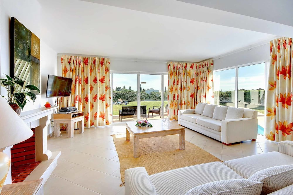 Vila (4 Bedrooms) - Dnevni boravak