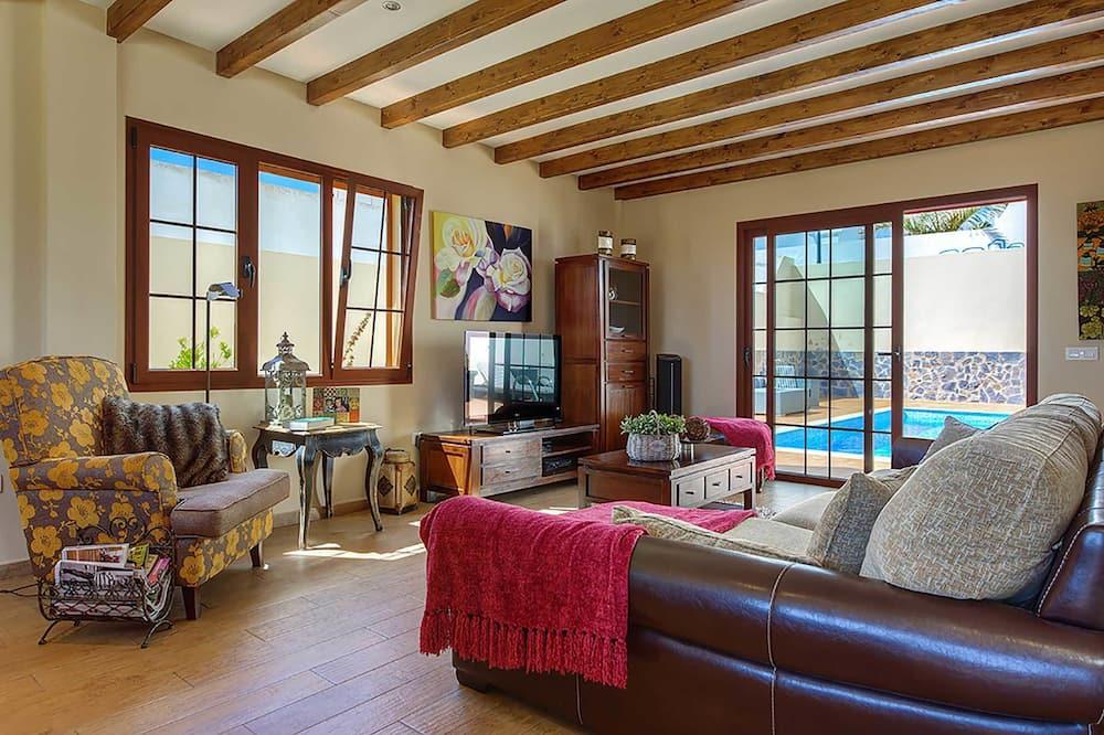 Villa, 4Schlafzimmer, eigener Pool - Wohnzimmer