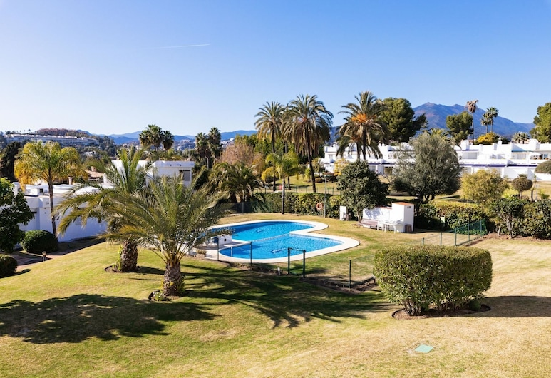 Aloha Sur - Cozy 1BR Apartment Near Golf Courses, Marbella, Sundlaug
