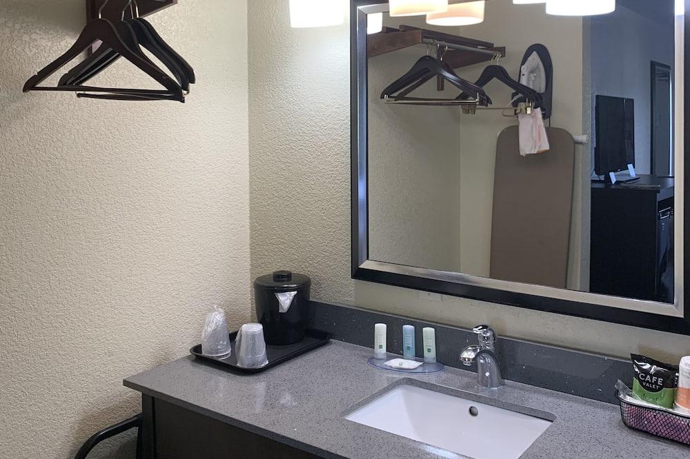 Chambre Standard, 2 lits doubles, non-fumeurs - Salle de bain