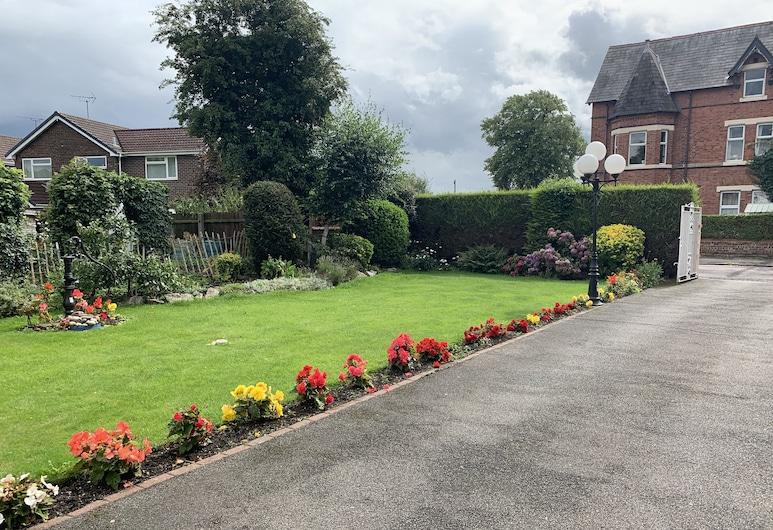 Green Gables Guest House, Chester, Garden