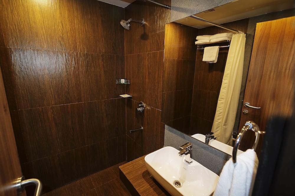 Club Room - Bathroom