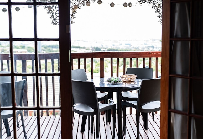 Grace Place Lovenstein , Cape Town, Garden Cottage: Self-catering 3, Terrace/Patio