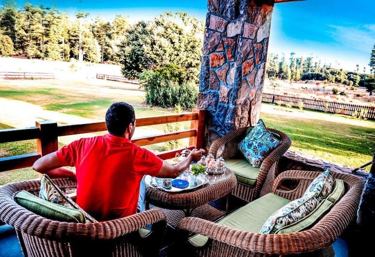 Luxury Chalet FOR Rent, Даят-Ауа, Балкон