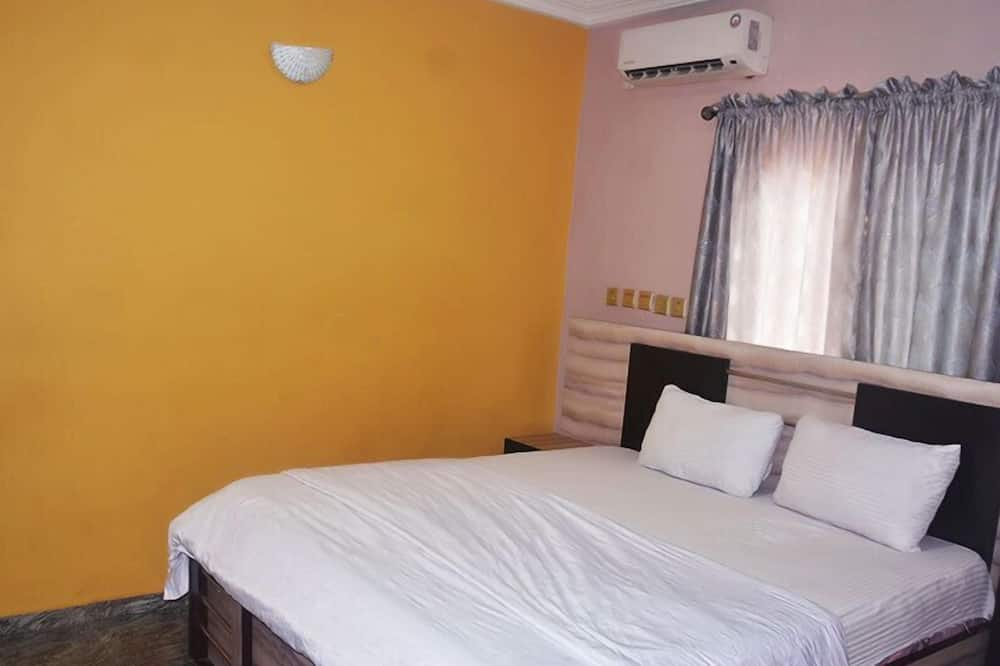 Deluxe Double Room Single Use - Extra beds