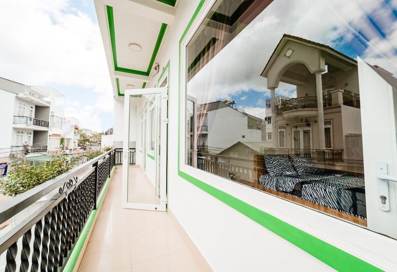 Cherry House Dalat, Ðà Lat, Vierbettzimmer, Balkon, Ausblick vom Zimmer