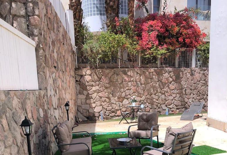 New Cozy Suite W Garden 300M From Beach, Eilat