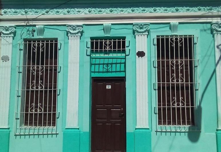 Casa La Cecilia, Santiago de Cuba, Hotellfasad