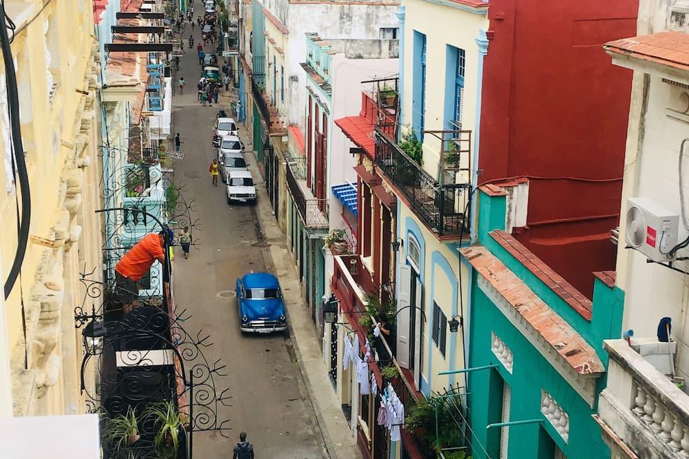 패밀리 아파트 - 발코니 전망