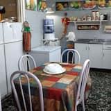 Comfort Room - In-Room Dining