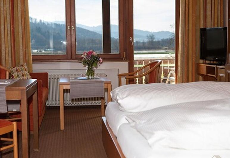 Hirschenstube Gästehaus Gehri, Waldkirch, Habitación Confort doble, cocina básica, vistas al jardín, Habitación
