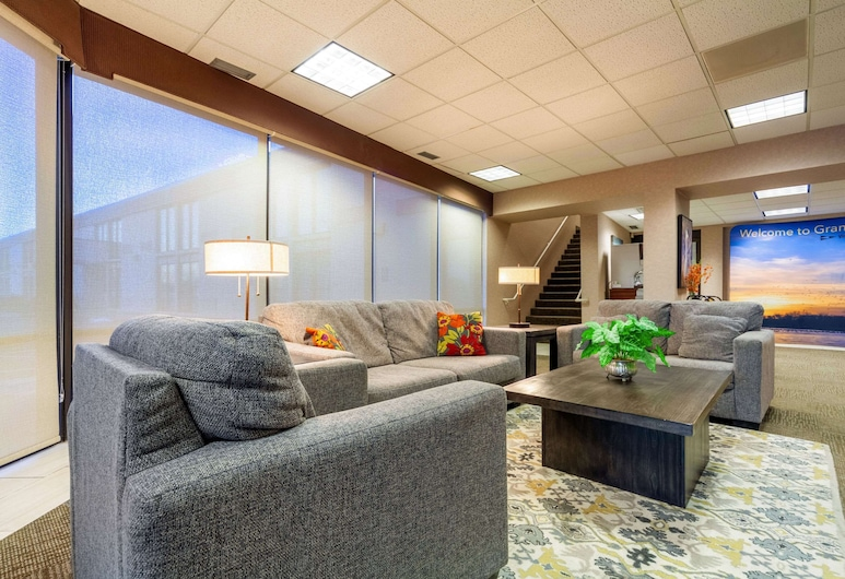 Suburban Extended Stay Hotel, Grand Island, Lobby