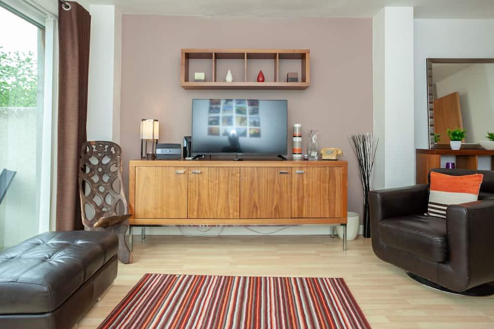 Classic Σπίτι σε Συγκρότημα Κατοικιών, 3 Υπνοδωμάτια, Μπαλκόνι, Στη λίμνη - Περιοχή καθιστικού