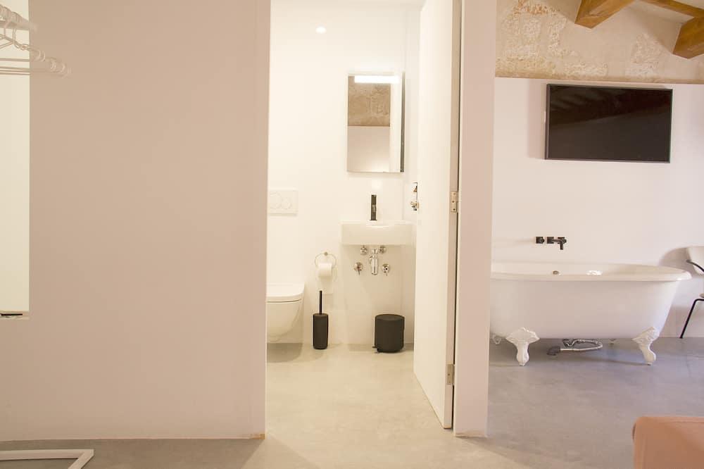 Kamar Double Deluks, teras, pemandangan laut sebagian - Kamar mandi