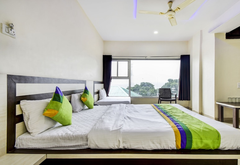 Treebo Trip Gugal Residency, Mahabaleshwar, Premium Room, Guest Room