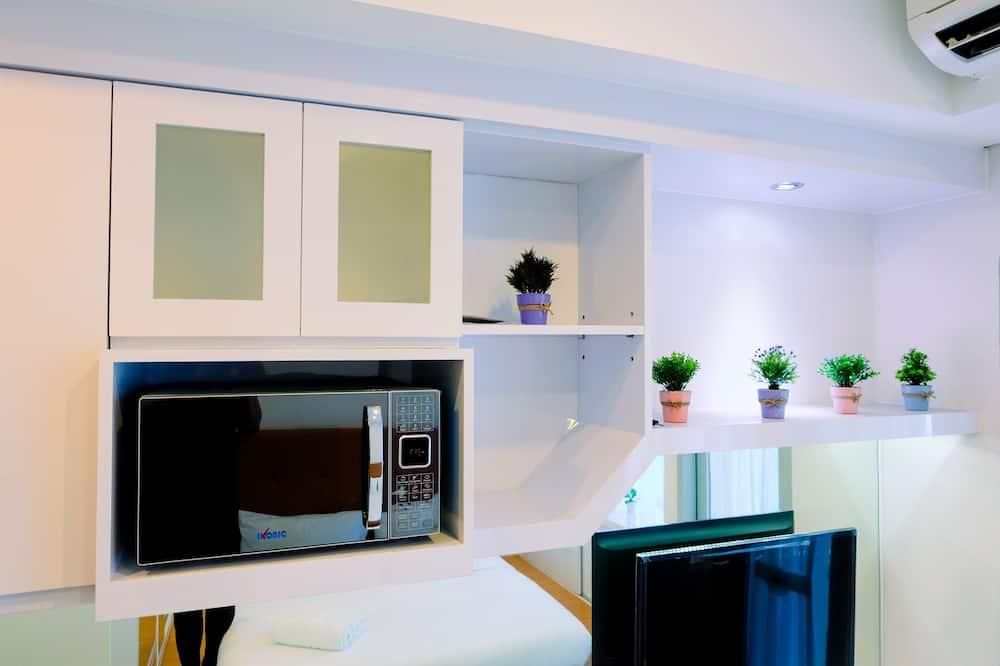Room - Microwave