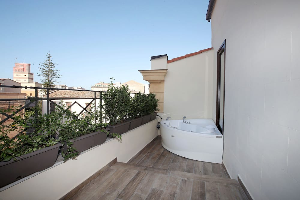Deluxe-Suite, Whirlpool (Marettimo) - Privater Whirlpool