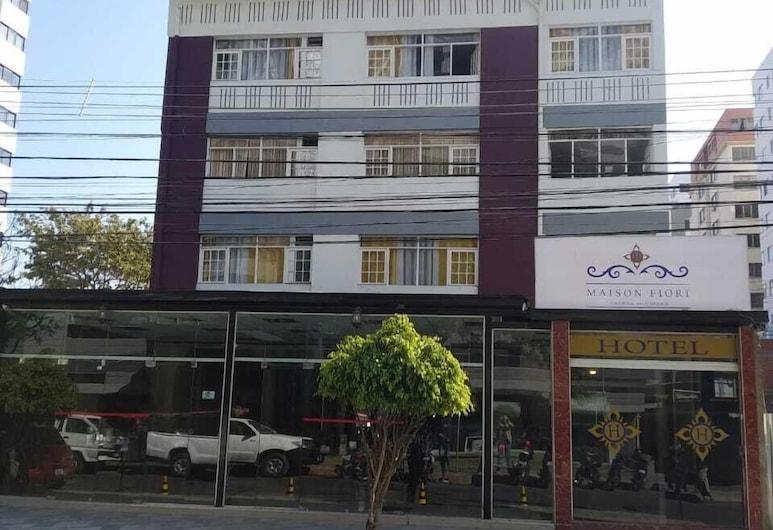 雷科萊塔河宅邸酒店, 科恰班巴