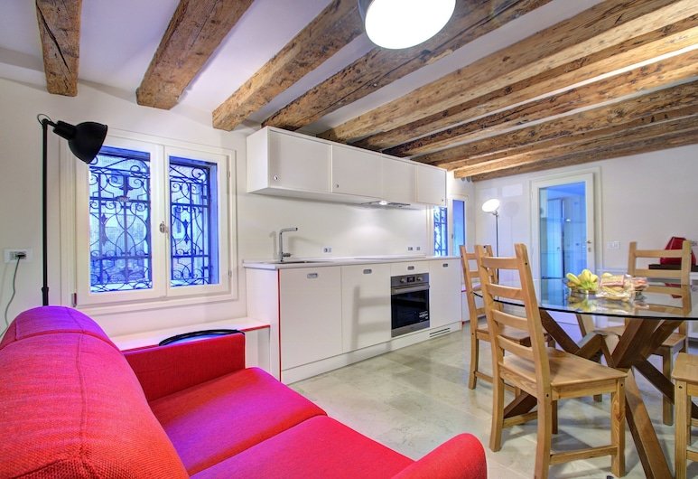 Grandcanal - Red, Venice, Apartment, 1 Bedroom, Canal View, Ground Floor, Living Area