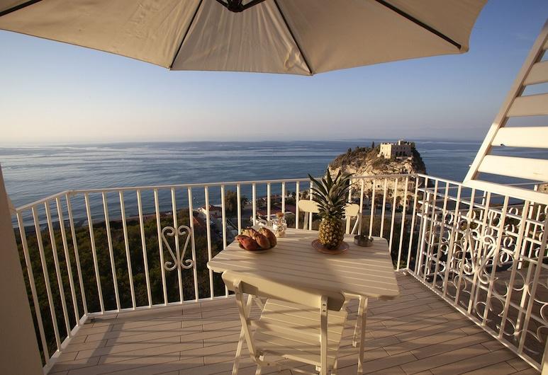 Le Tolde del Corallone , Tropea, Apartment, 1 Bedroom, Sea View, Terrace/Patio
