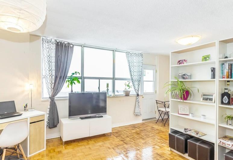 Downtown Posh Penthouse in the City, Walk Score 95, Toronto, Living Room