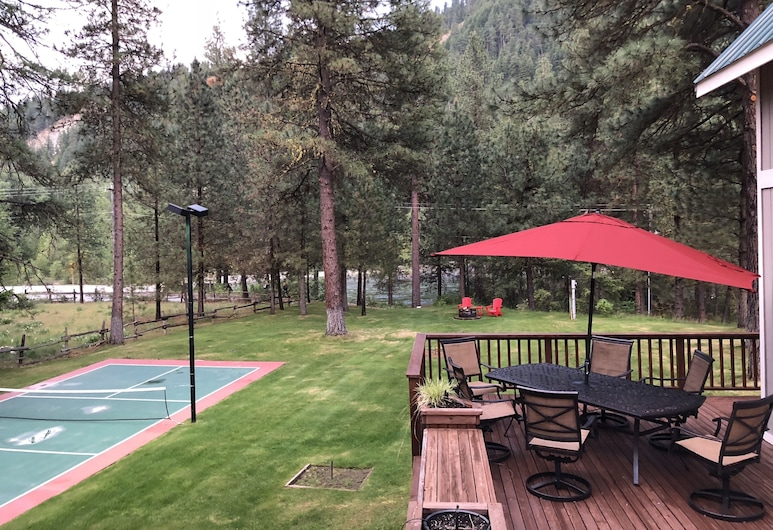 Recharge by The River, Leavenworth