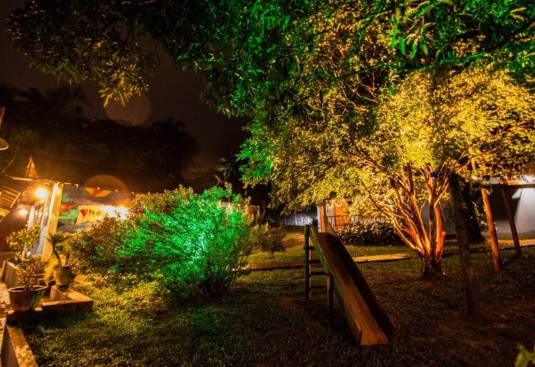Pousada Paris Hostelli, Itatiaia, Garden