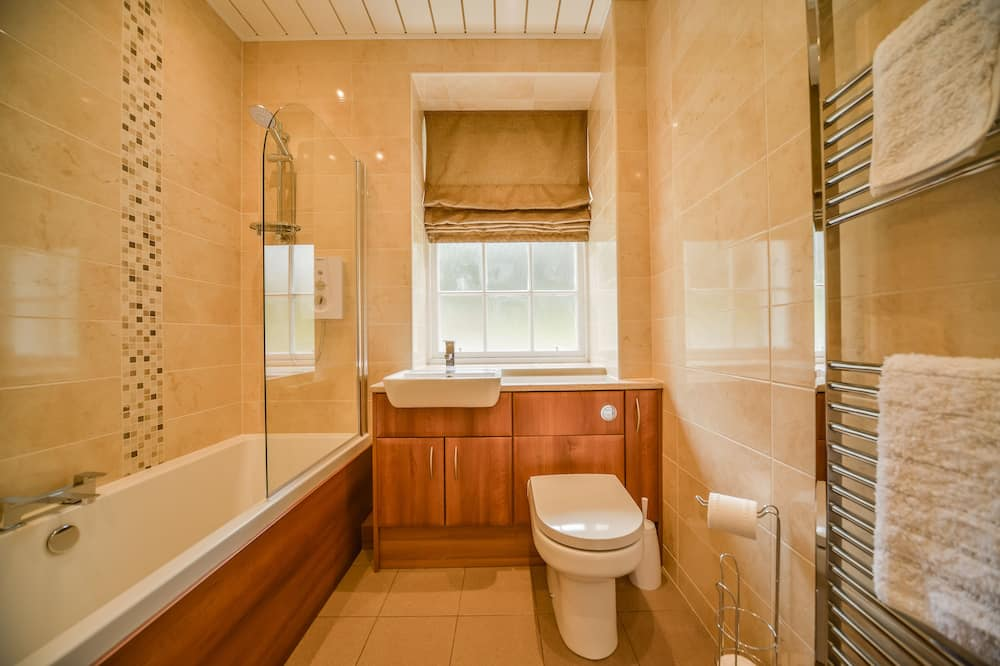 Cottage, 4 Bedrooms (MacKenzie Cottage) - Bathroom