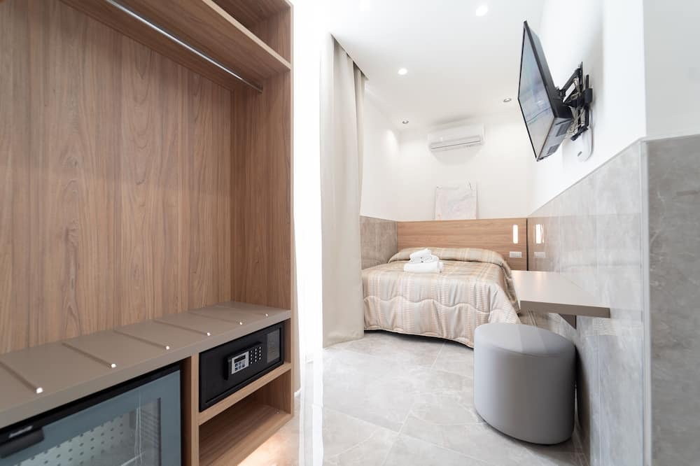 Basic Tek Büyük Yataklı Oda, Şehir Manzaralı - Oda