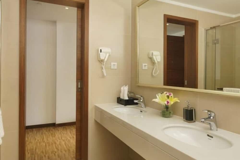 ห้องดีลักซ์สวีท, 1 ห้องนอน - ห้องน้ำ
