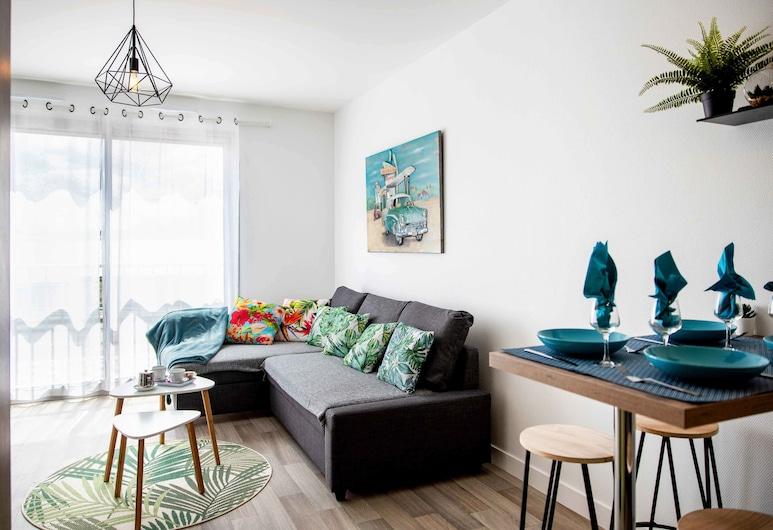 Appartement Cosy a 2 pas de rennes, parking privatif, Cesson-Sevigne, Apartment, Living Area