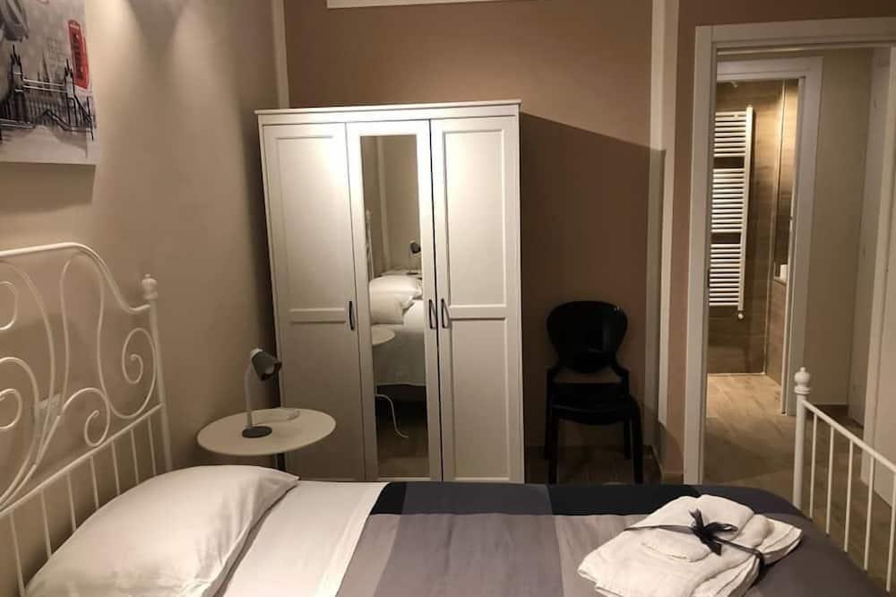 Comfort szoba kétszemélyes ággyal, privát fürdőszoba - Kiemelt kép