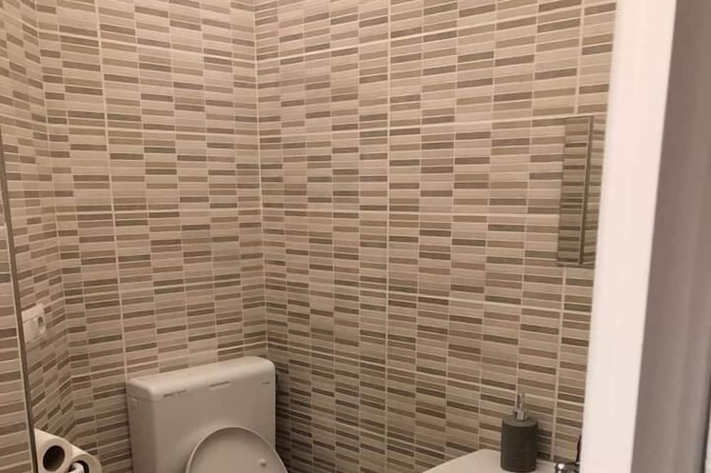 Comfort szoba kétszemélyes ággyal, privát fürdőszoba (External) - Fürdőszoba