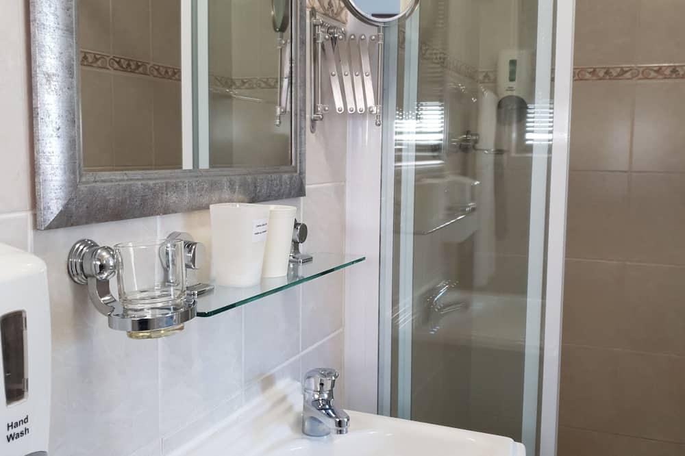 Phòng đôi - Tiện nghi phòng tắm