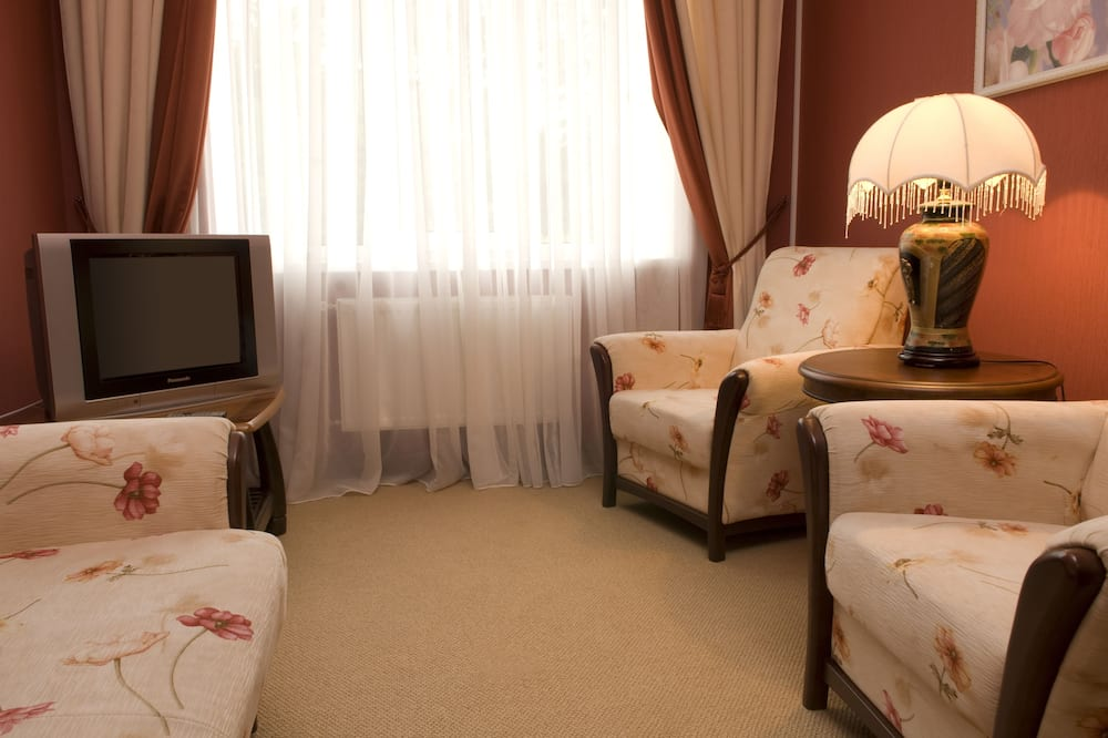 Suite (2 rooms) - Living Room