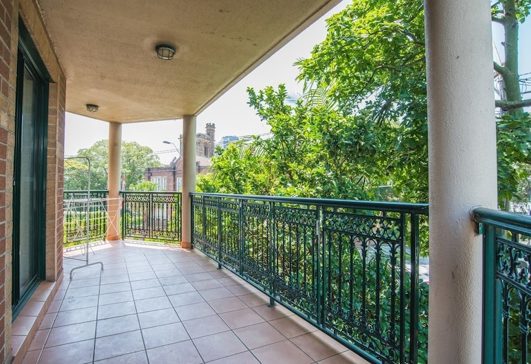 Spacious & Cozy Apartment In Heart Of Redfern, Redfern, Balcony