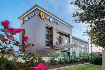 Picture of La Quinta Inn & Suites by Wyndham Katy in Katy